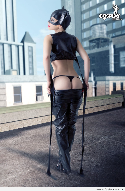 Fetish Nudist Cougar by fetish.cucams.com
